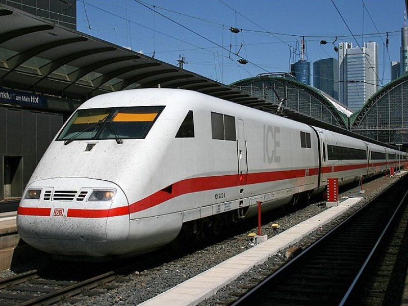 Een ICE-1 in Frankfurt (Foto: Thomas Wolf)